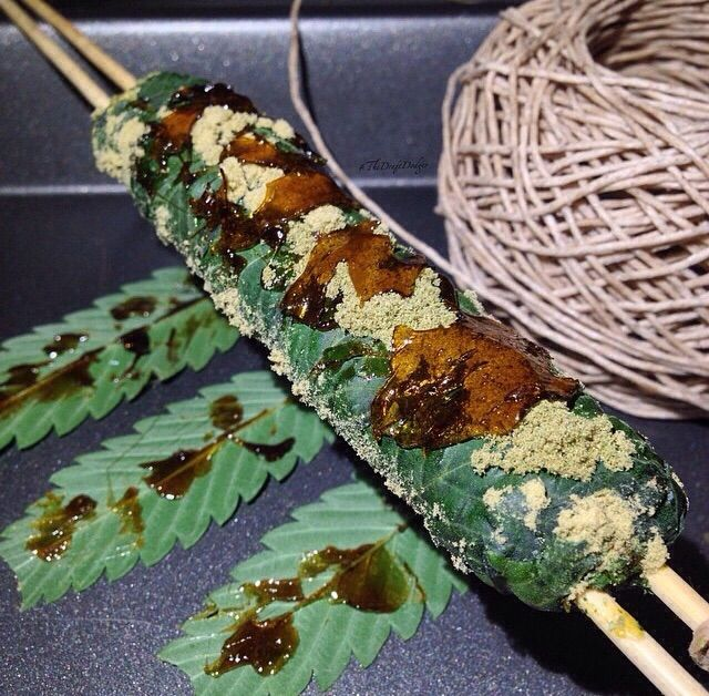 How to roll a Thai stick