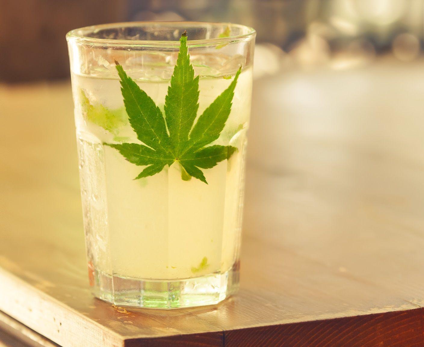 Cannabisinfused mixology Cannabis vodka drinks