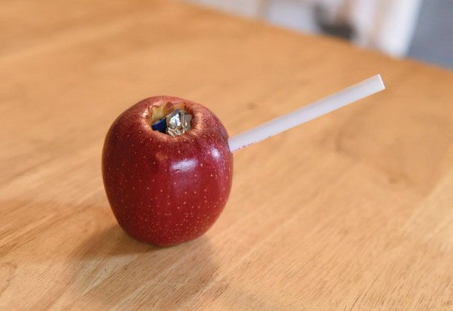 The easiest way to make an apple bong at home