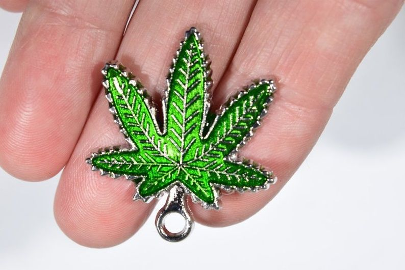 5 Springtime musthave cannabis accessories you should check out
