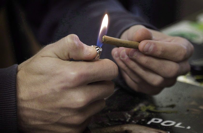 Men twice as likely to smoke pot as women Statistics Canada says
