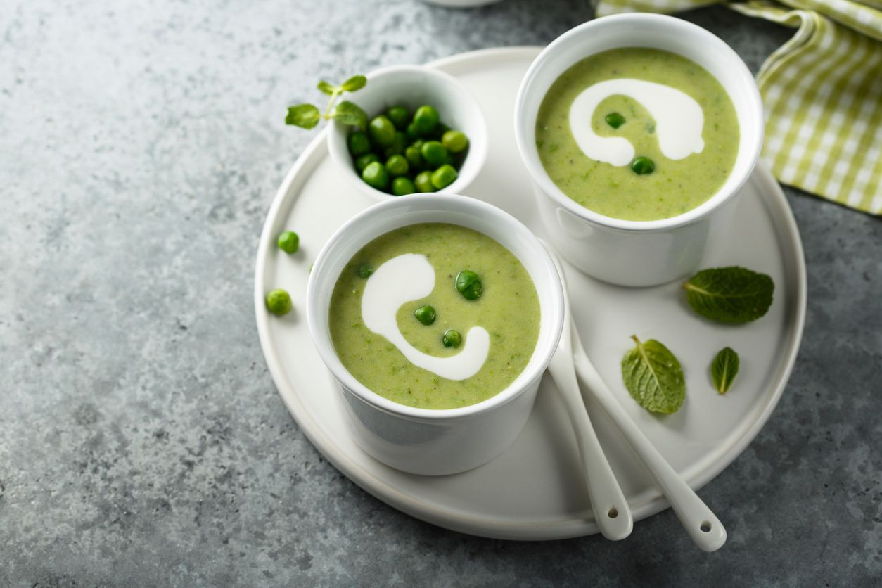 A mean and green vegetarian split pea soup