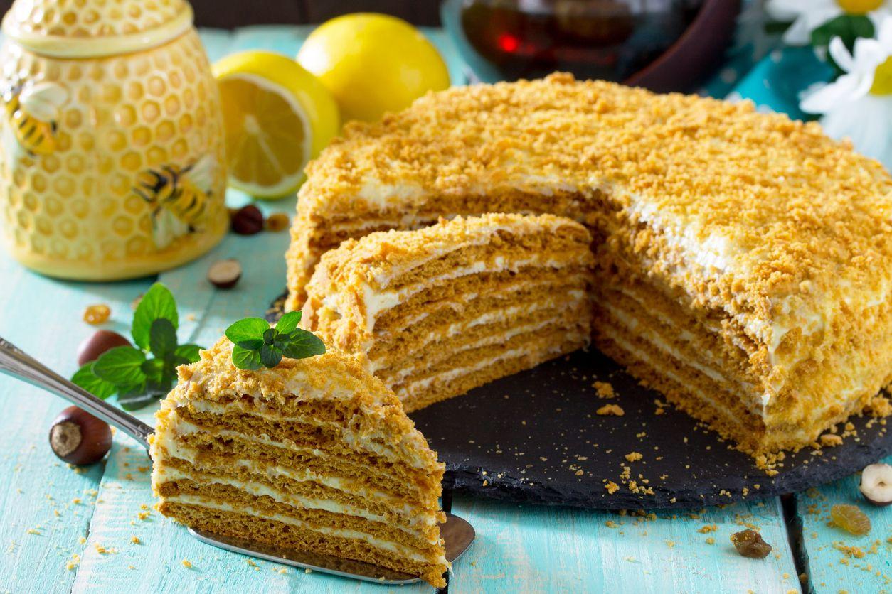 A soft and moist honey cake recipe