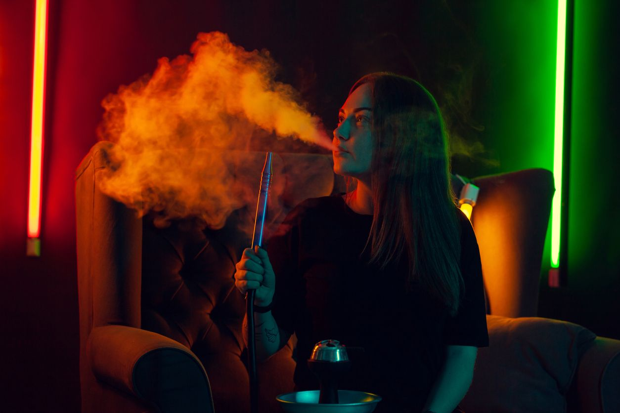 How to plan and design a trendy marijuana vape lounge