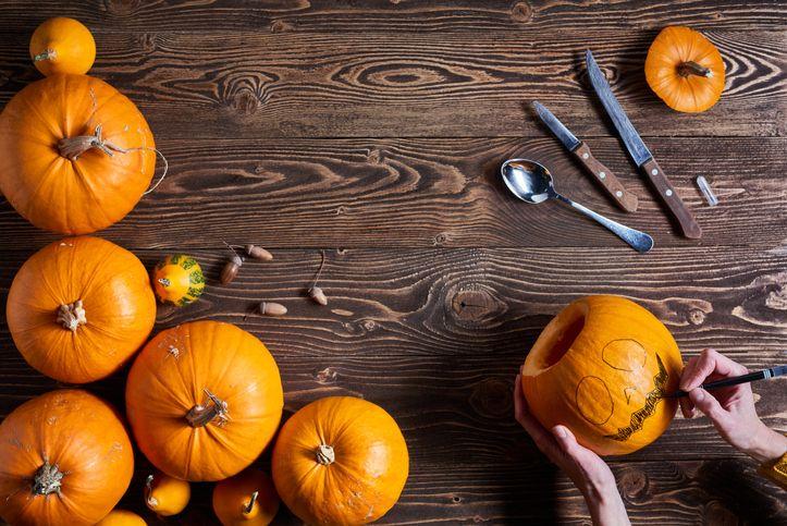 DIY  How to make a pumpkin gravity bong for Halloween