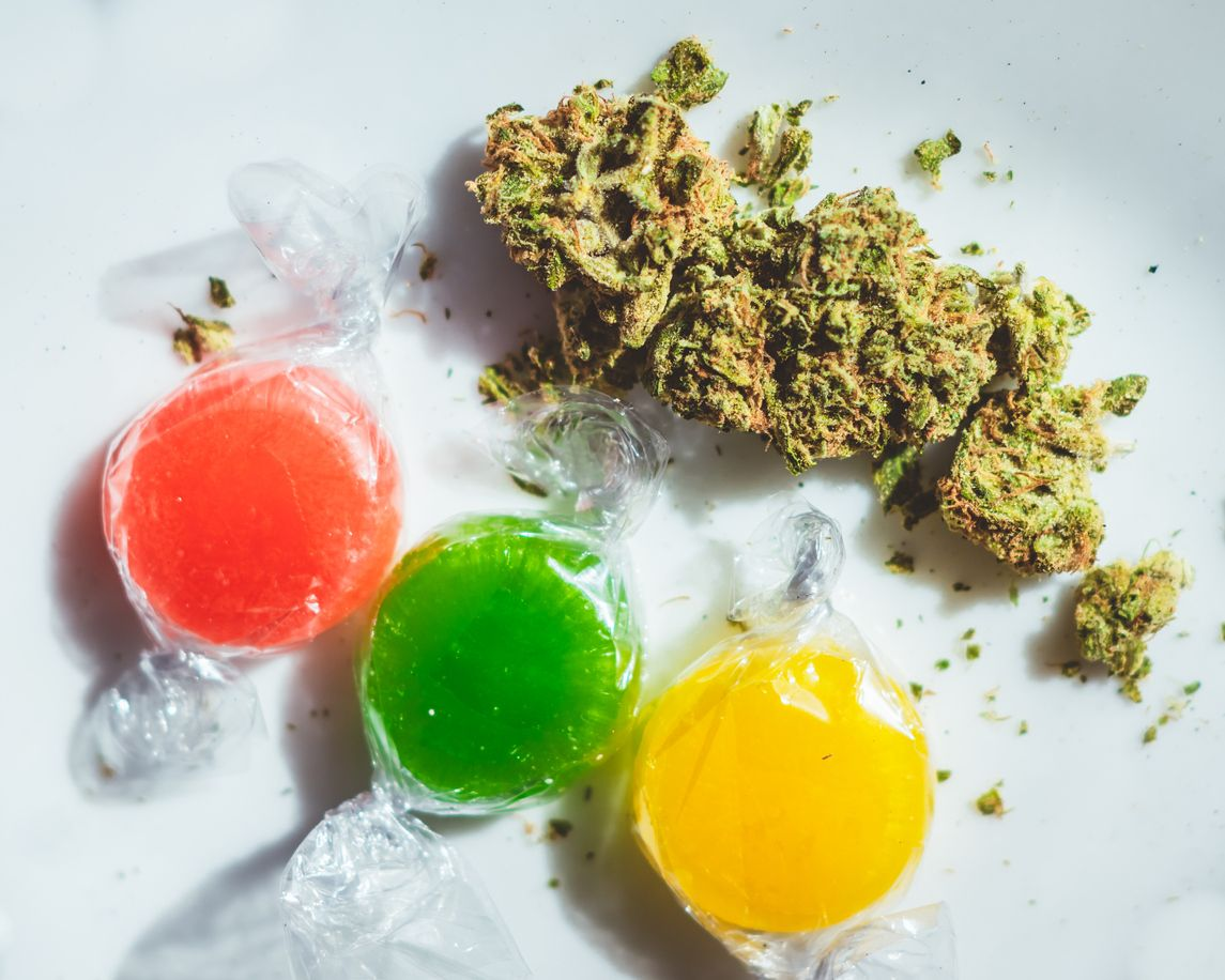 One group is giving cannabis edibles to reduce opioid consumption