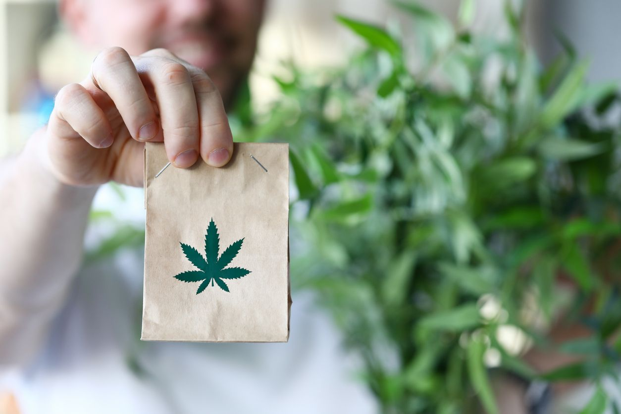 Ontarians can now legally order weed delivery