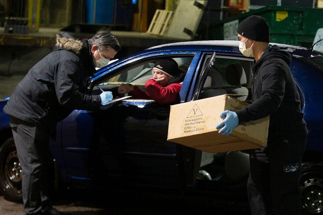 Ontario ordering nonessential businesses to close