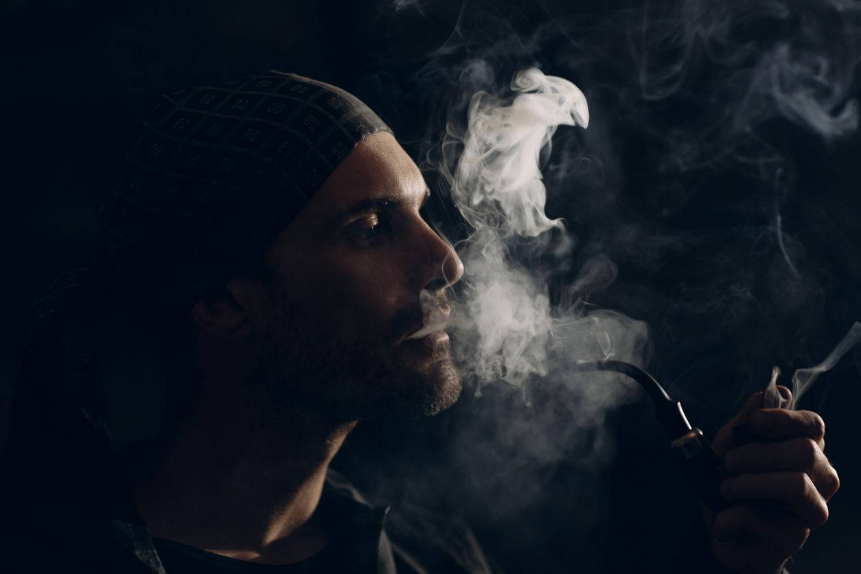 What you need to know if youre smoking weed out of a tobacco pipe