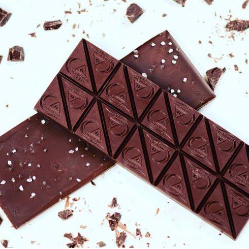 feature image Cookies&Cream White Chocolate Bar