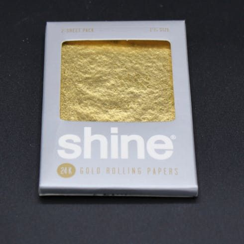 feature image 24k Gold Rolling Papers