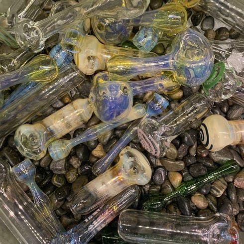feature image $10 Glass Pipes
