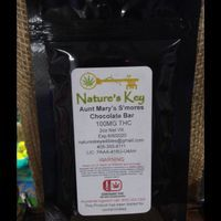 feature image Aunt Mary's S'mores Chocolate Bar 100 mg