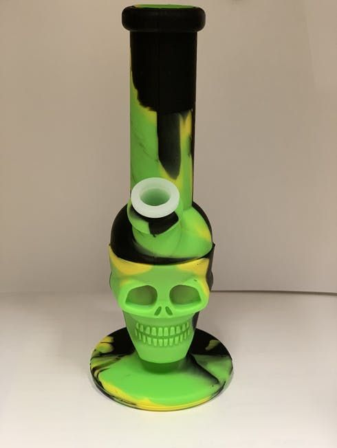 feature image BONGS: silicone