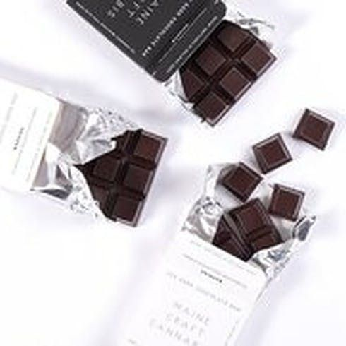 feature image 1:1 THC:CBD Dark Chocolate Bar