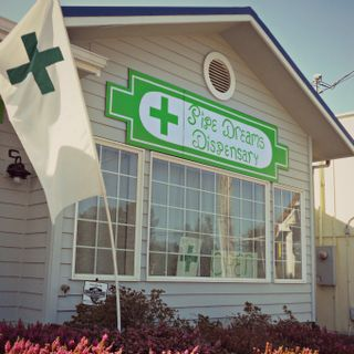 image feature Pipe Dreams Dispensary - Lincoln City