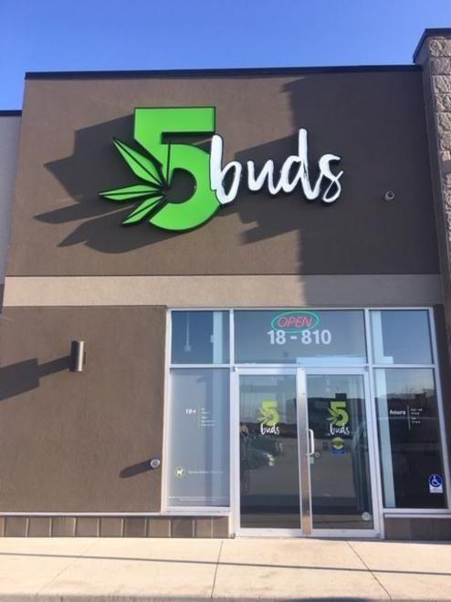 store photos 5Buds Cannabis - Warman