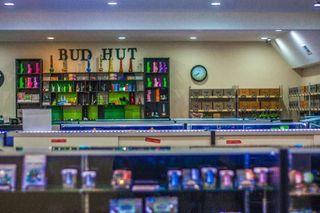 store photos Bud Hut - Everett