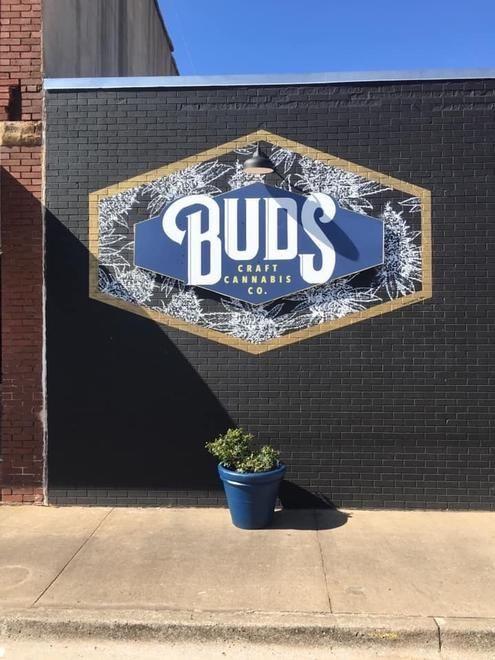 store photos Buds Craft Cannabis