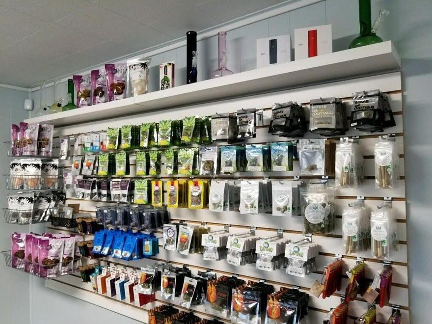store photos Freedom Market Cathlamet - Recreational