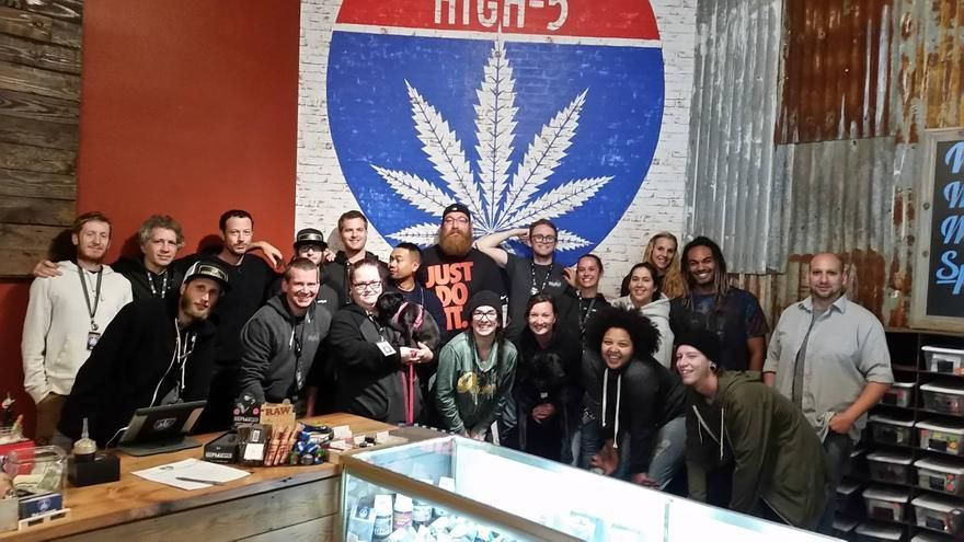 store photos High 5 Cannabis