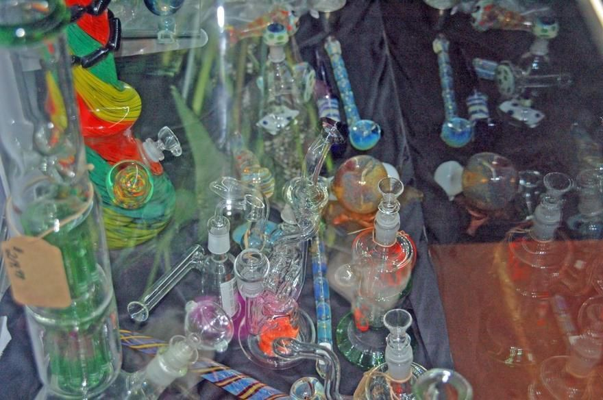 store photos High Society