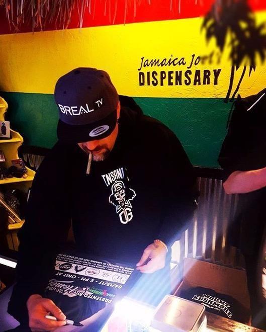 store photos Jamaica Joel's