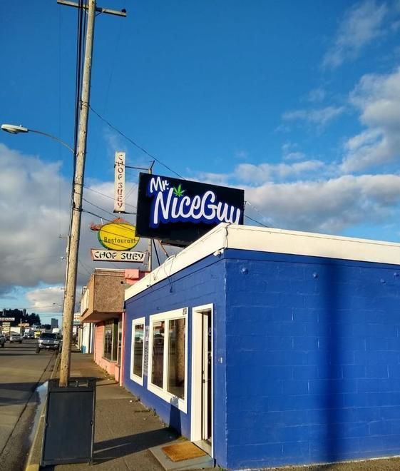 store photos Mr. Nice Guy - Coos Bay