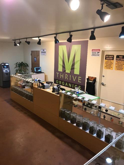 store photos M Thrive Organics