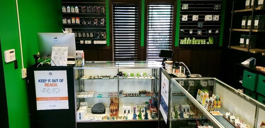 store photos Oasis Cannabis - Seaside